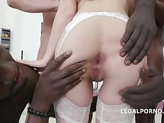 Horny Brunette Dominica Phoenix Outlasts 4 Huge Cocks
