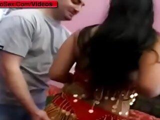 Indian Sex Tourist fuck Indian cute girl