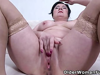 Busty mature Klara takes off her clothes and gives her shaven pussy a deep finger fuck (brand NEW video available in Full HD 1080P). Bonus video: Euro milf Pem.
